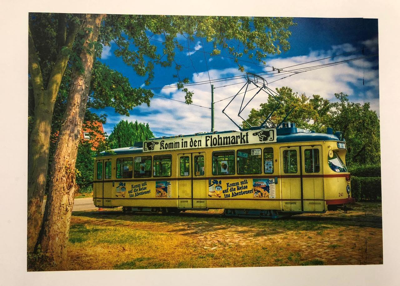 Tram-yellow.jpg